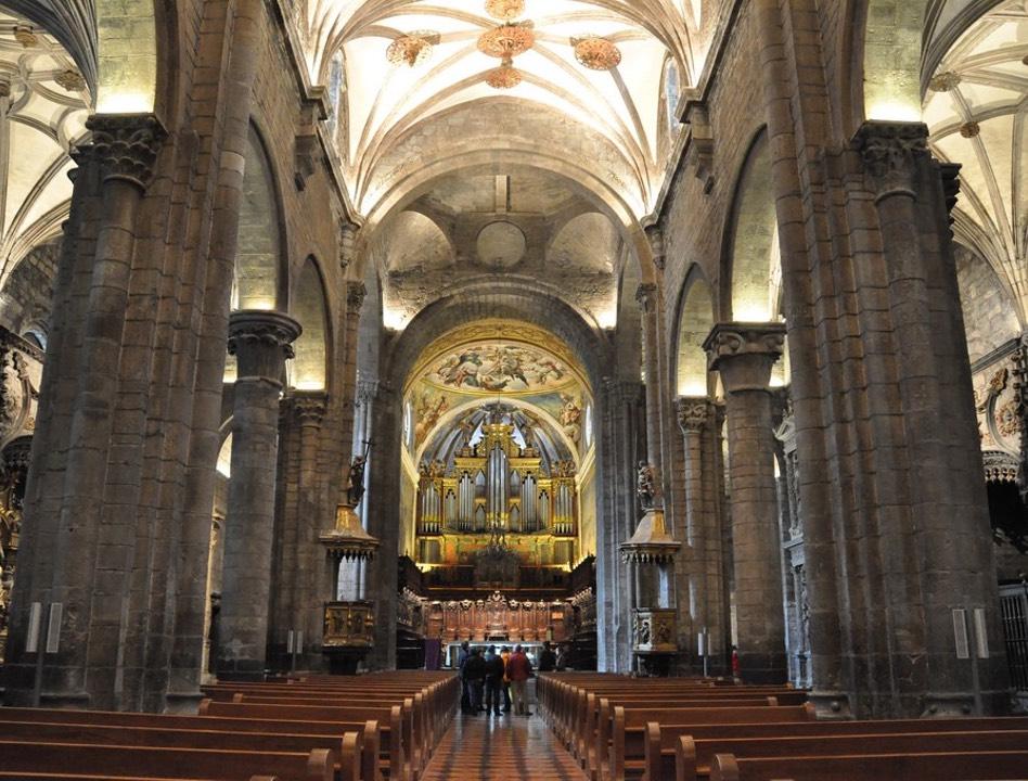Interior Catedral de San Pedro de Jaca